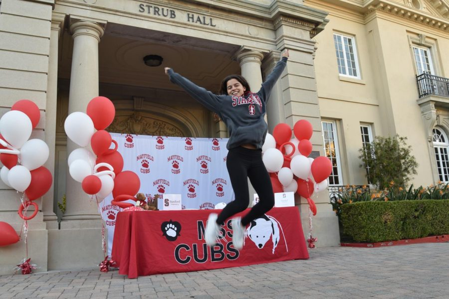 Audrey Suarez '21 signs with Stanford University.