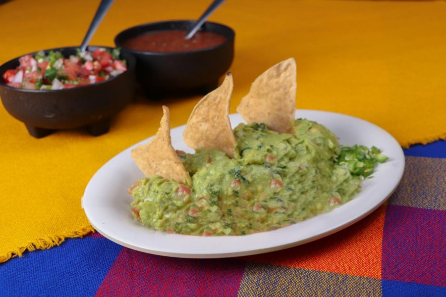 Guacamole Dish. Image by d_palestino from Pixabay.