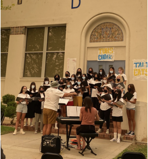 Mayfield's Women's Ensemble perform at a choral exchange at Taft Union High School in Taft, California. Photo taken by Ms. Katie Waferling.